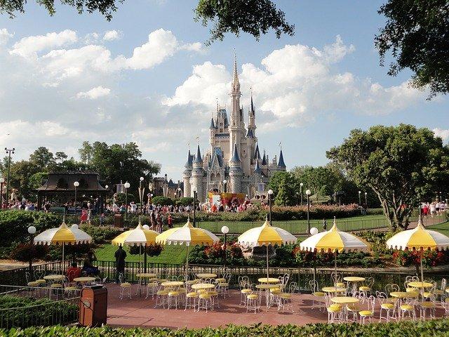 Pracovníci Disneylandu čelí bezohlednému vykořisťování