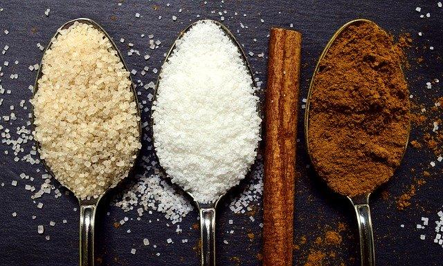 cukry a skořice